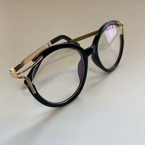 Fashionable Glasses 🖤